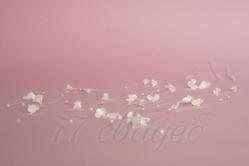 10409 Кисточки-хмель белые (3 веточки  по 3 нити каждая)