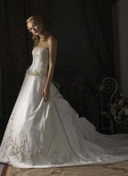 Свадебное платье с необычным шлейфом CW5474