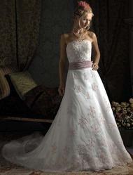 Свадебное платье с розовым бантом CW5470