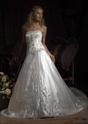 Свадебное платье, изюминка которого в шлейфе CW5469