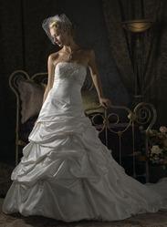 Свадебное платье с вышитым лифом CW5463